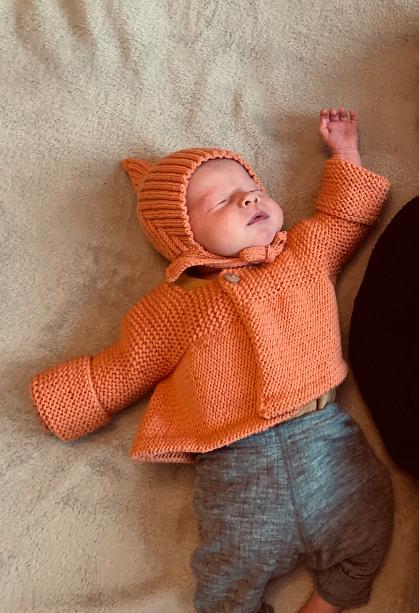 Zwergenmütze mit passendem Babyjäckchen