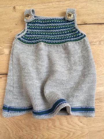 Babykleid stricken - kostenlose Strickanleitung