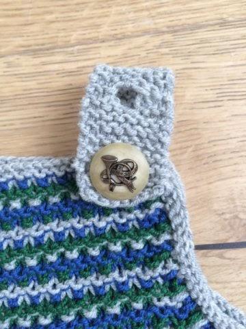 Baby Strickkleid mit verstellbaren Trägern