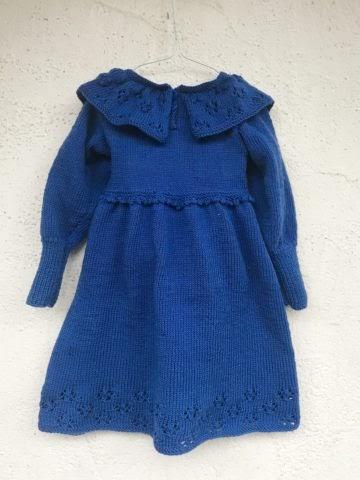 Pullover Strickkleid für ein bis zwei Jahre, hinten.