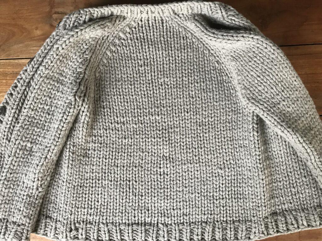 Strickanleitung Rücken Damenjacke