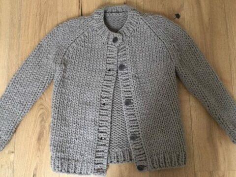 Raglan Damenjacke stricken mit dicken Nadeln
