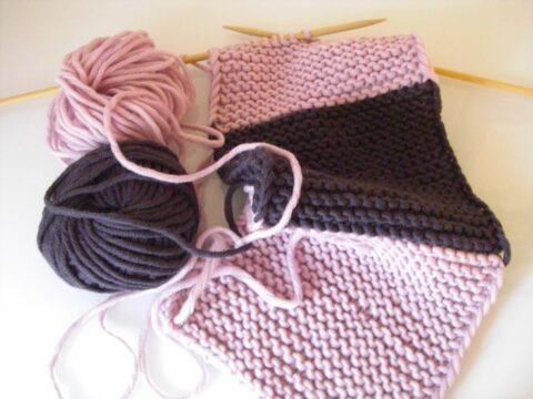 kraus gestrickter Schal